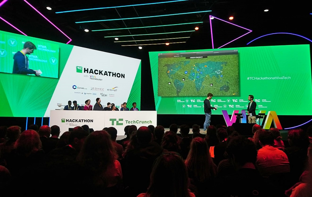FSE students win the VivaTechnology Hackathon