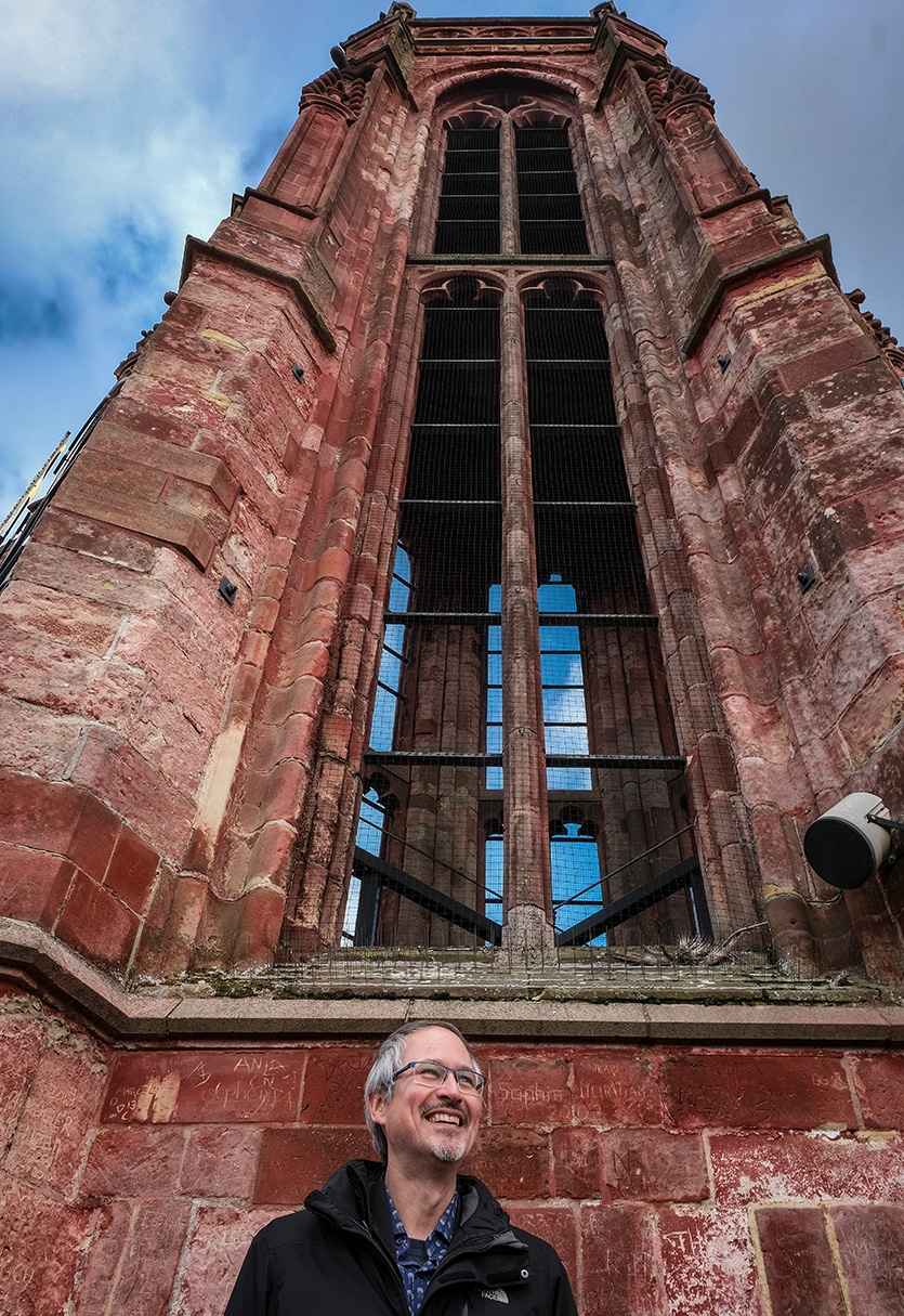 Ralf Peeter in front of St. Jan's church
